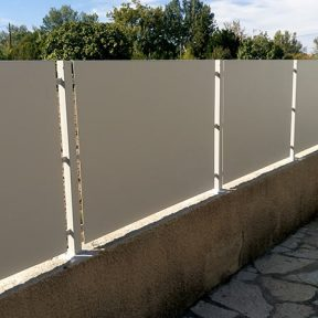 Clôture métal muret fer