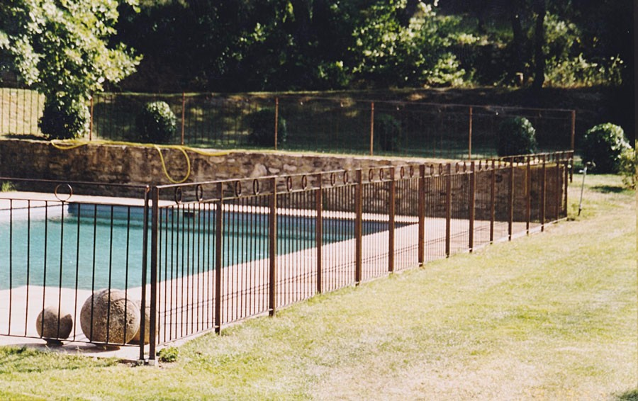 Barri re de piscine amovible for Cloture piscine
