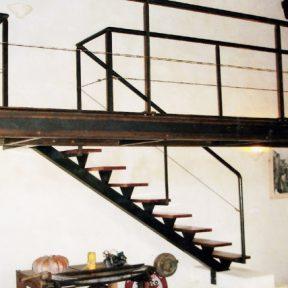 escalier fer droit - ferronnerie sigonneau -Bouche du rhone