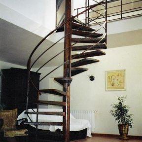 escalier fer helicoidal - ferronnerie sigonneau -Bouche du rhone