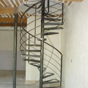 escalier fer helicoidal - ferronnerie sigonneau -Gard