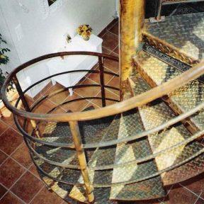 escalier fer helicoidal - ferronnerie sigonneau -vedene