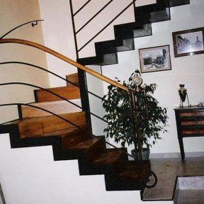 Escalier tournant fer et bois