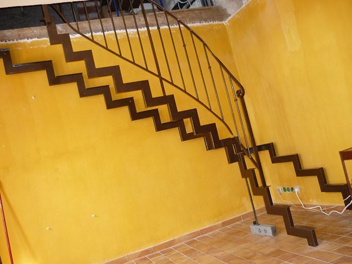 Escalier structure métallique