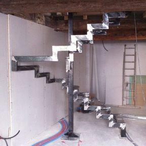 escalier fer tournant - ferronnerie sigonneau -pernes les fontaines