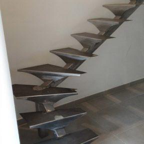 escalier fer tournant - ferronnerie sigonneau -st saturnin les avignon