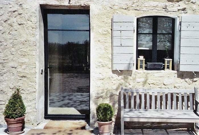 Fenêtre avec porte - ferronnerie et menuiserie