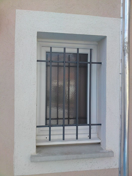 Beautiful photos of grille de d fense pour porte d entr e for Grille de defense pour porte