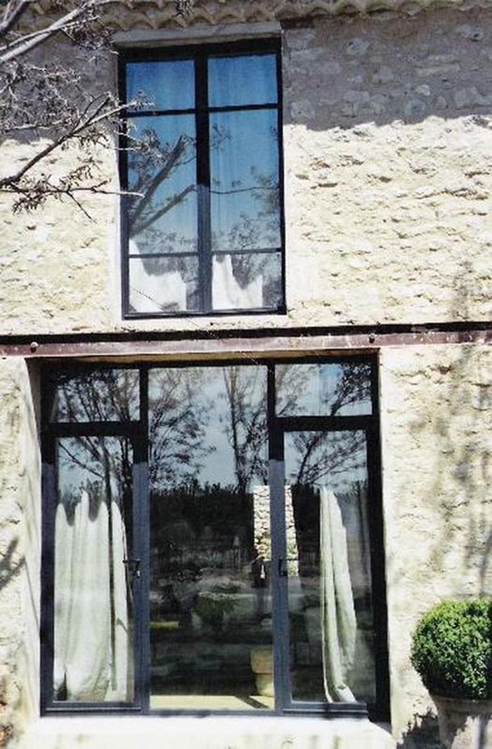 Menuiserie métallique baies cintrées porte et fenêtre