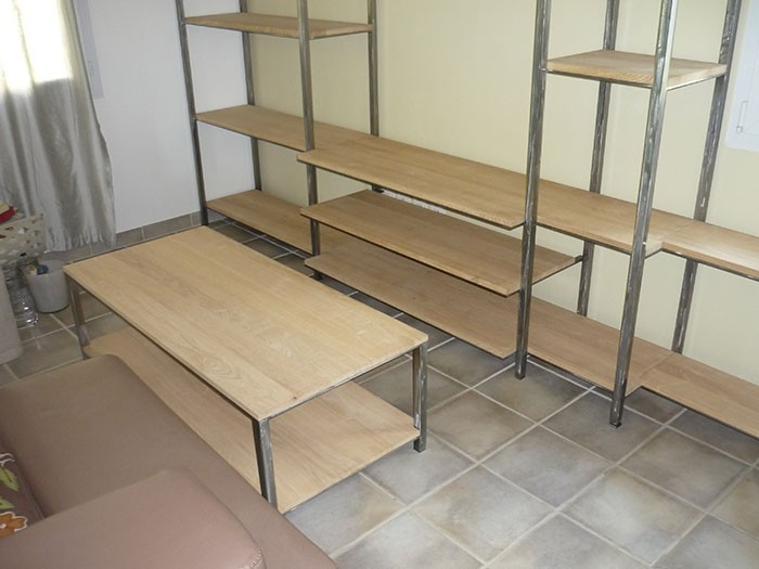 Meuble en fer best chambre coucher fer forg with meuble for Meubles import nc