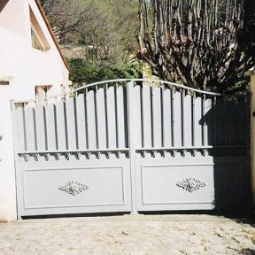 Portail fer forge deux vantaux Gard