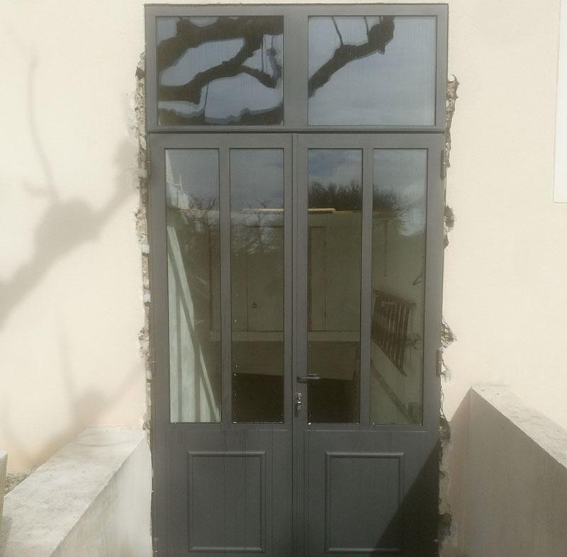 porte entree metallique vitree vaucluse sigonneau. Black Bedroom Furniture Sets. Home Design Ideas