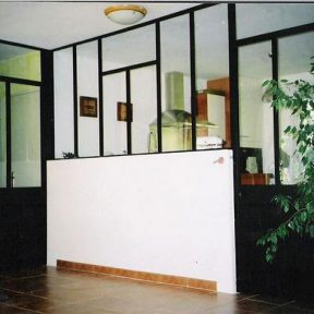 Portes intérieures en fer vitrées