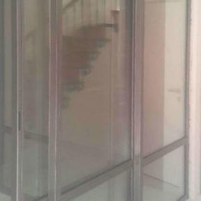 porte coulissante entrée Villeneuve Gard