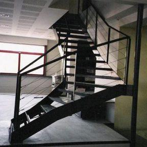 Escalier métallique de bureau