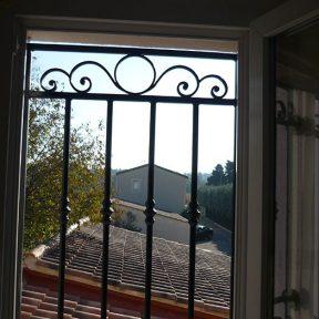Grille défense et sécurité pour fenêtre