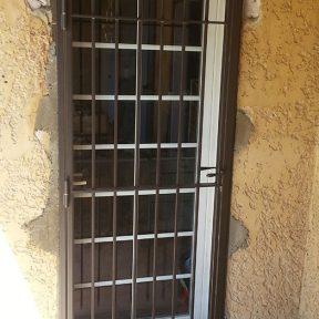 Grille défense de porte