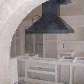 Hôte cheminée cuisine