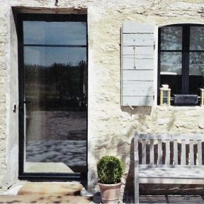 Porte vitrée métallique